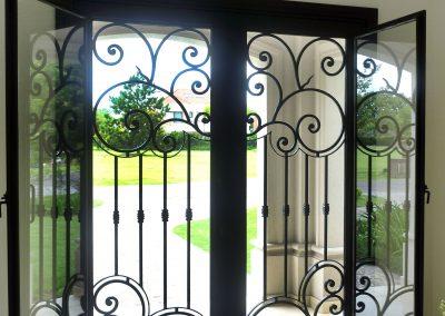 puerta hierro forjado
