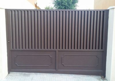 puerta hierro laminada
