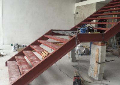 perfil escalera cogiendo forma